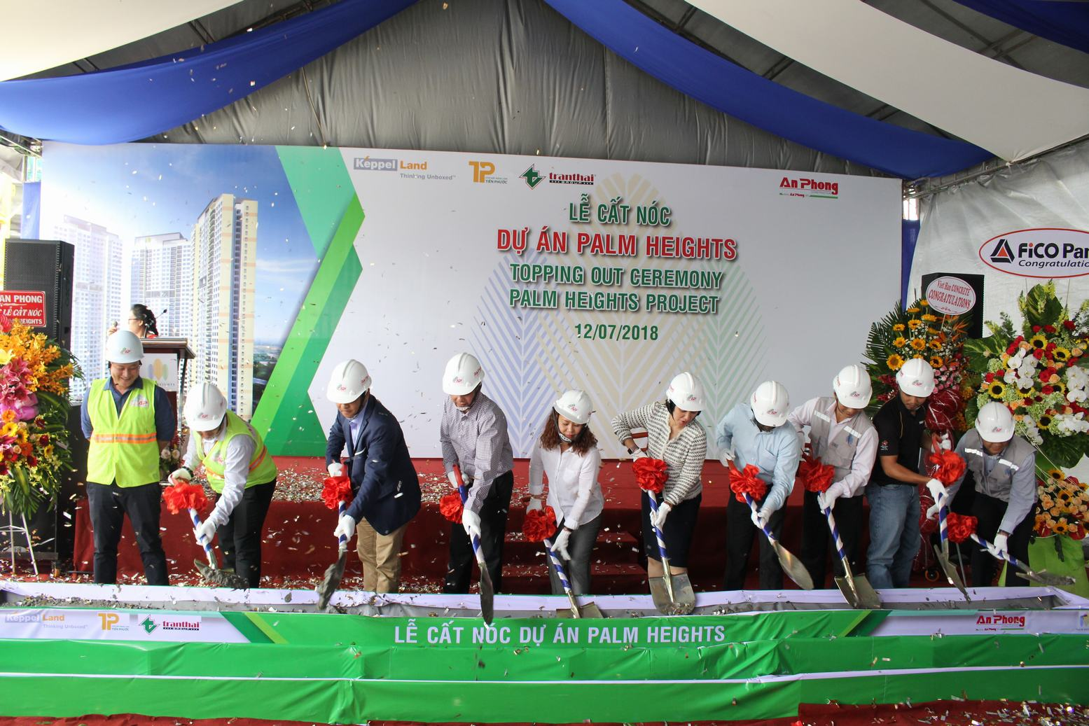 Topping out ceremony of Palm Heighst in District 2
